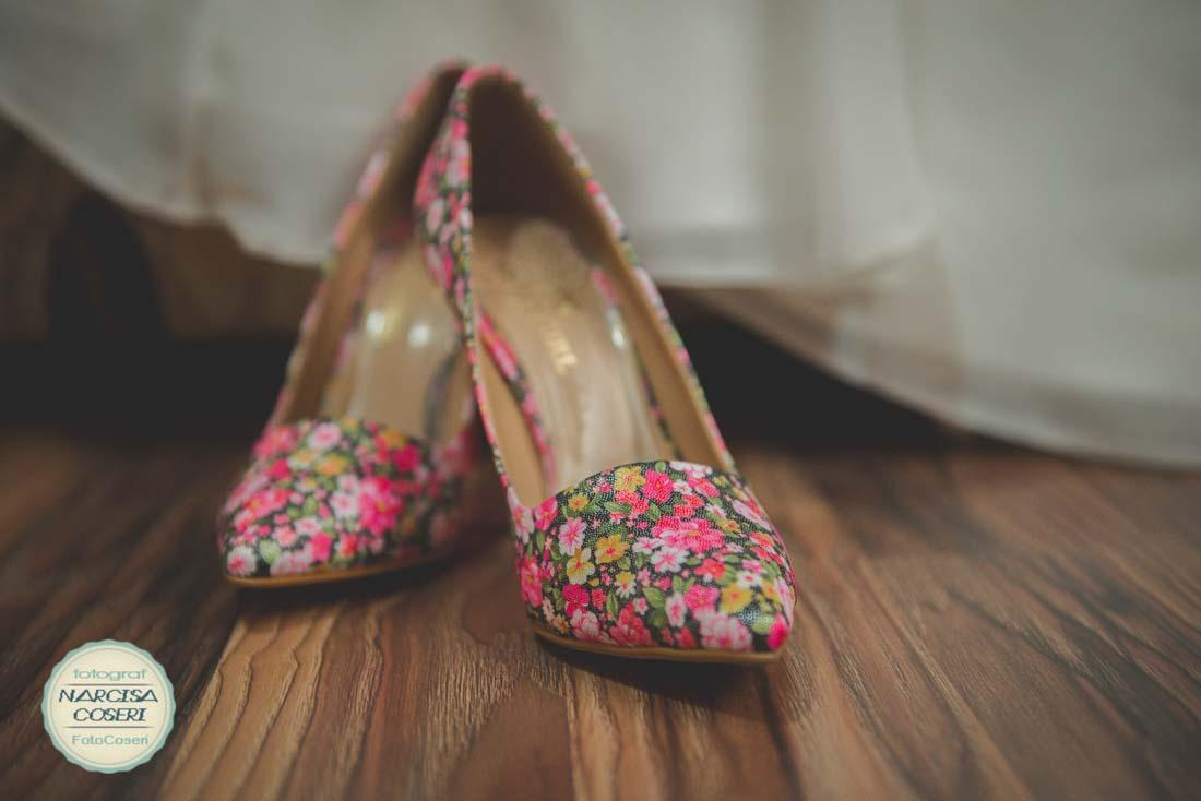 Pantofii miresei